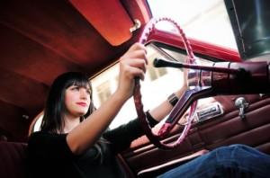 woman-driving_100316681_m