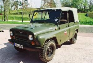 1200px-Uaz-469-1