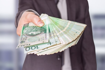 Przekazanie pieniędzy za samochód przy odkupie auta